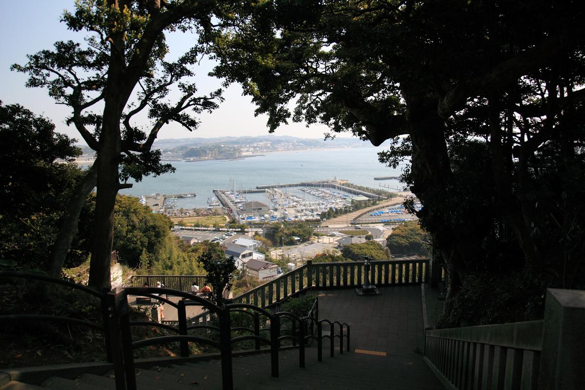 江島神社中津宮ウッドデッキ
